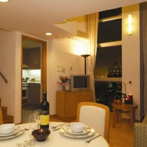 Hong Kong Serviced Apartment - Bonham Residence Hong Kong